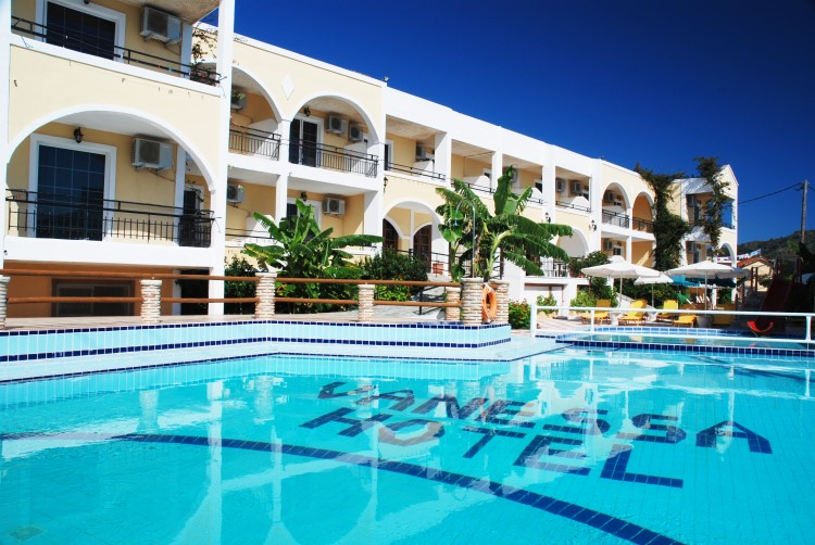 Vanessa hotel in kalamaki zakynthos greece holidays in for Boutique hotel zante