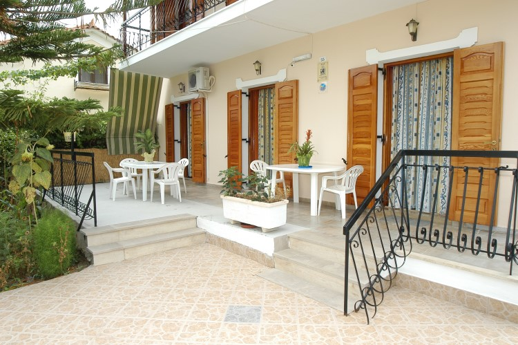 Villa Xenos Studios Apartments - Zakynthos Greece